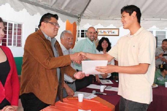 52 de Cada 100 Michoacanos en Rezago Educativo: INEA
