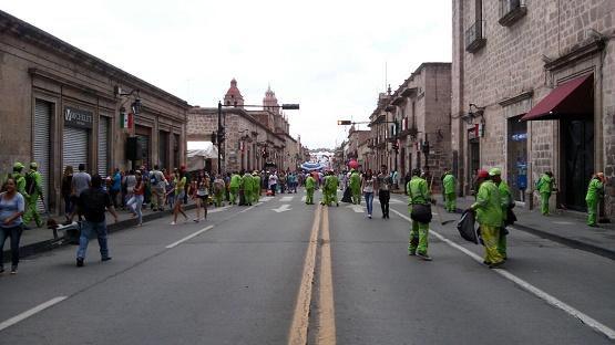 Refuerza Ayuntamiento Trabajos de Limpieza en Primer Cuadro de la Ciudad Durante Fiestas Patrias