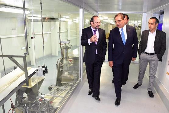 Firma Silvano Aureoles Convenio Para Reactivar Planta de Alimentos Procesados en La Piedad