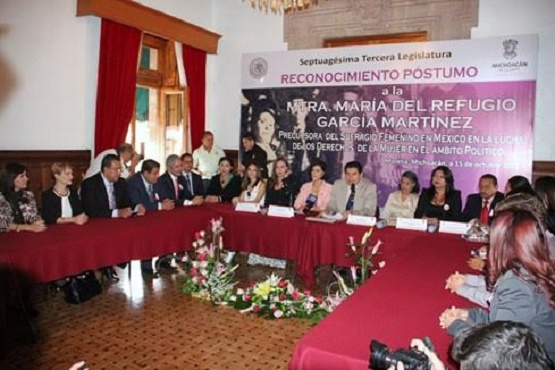 Rinden Legisladores Homenaje Póstumo a Precursora de los Derechos Políticos de la Mujer