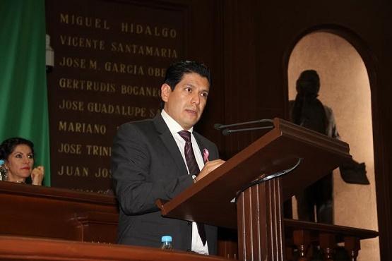 Presenta Ernesto Núñez, Iniciativa Para dar Cumplimiento a Exhortos Emitidos por el Congreso