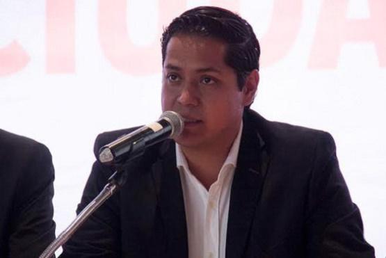 Urge Diputado del MC a Regular Entrega Indiscriminada de Notarías