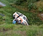 Combi de la Ruta Naranja 3 cae al río en Morelia