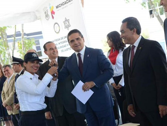 Policías de Michoacán Tendrá un Aumento del 100%, Anuncia Aureoles