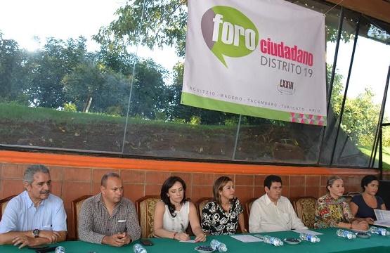 Foro Ciudadano en Tacámbaro Para Habitantes del Distrito 19