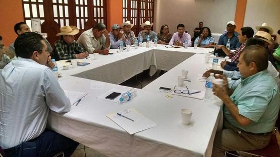 Ofrece Lalo Chavira a Productores: dar Respuesta a los Problemas, Será el Reflejo de Nuestras Iniciativas