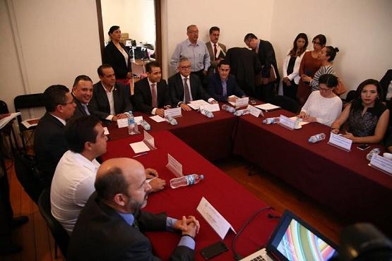 Urge que Ejecutivo Fije Estrategia Para Enfrentar Deuda Pública: Carlos Quintana