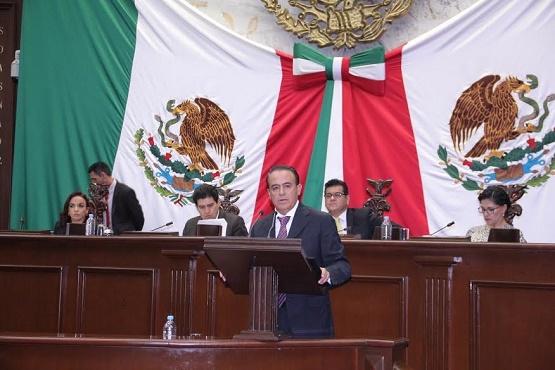 Presenta Pascual Sigala Reforma a la Ley Orgánica y de Procedimientos del Congreso