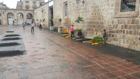 Ofrece Ayuntamiento de Morelia Evento Cultural Para la Noche de Muertos en Mercado Miguel Hidalgo