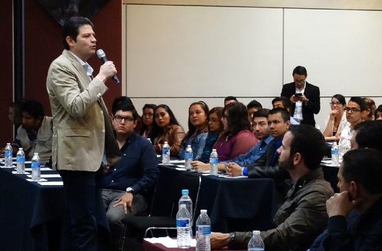 Llama Alcalde Alfonso Martínez a Jóvenes a Trabajar Para Construir sus Sueños