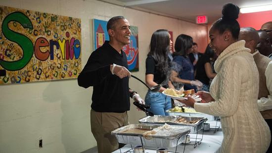 Obama Sirvió a los Desamparados