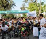"""Gobernador Silvano Aureoles da Banderazo de Arranque a Carrera Atlética """"Corre con tu Policía 2015"""""""