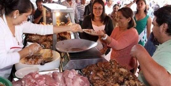 La Diputada Itinerante, Rosy Miranda Asiste a la 3ra. Feria de las Carnitas en Tacámbaro