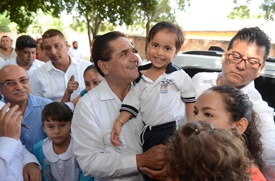 Garantiza Silvano Aureoles Espacios Dignos Para Educación de Niñez en Michoacán