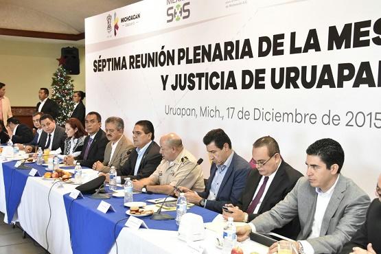 Vecinos Organizados y Vigilantes Para Cambiar Michoacán, Destaca Gobernador