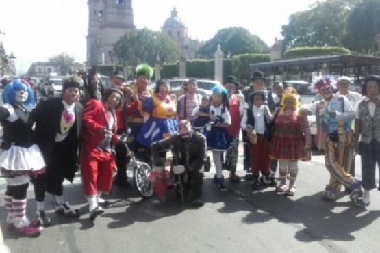 Festejan Payasos su día con una Caravana en Morelia