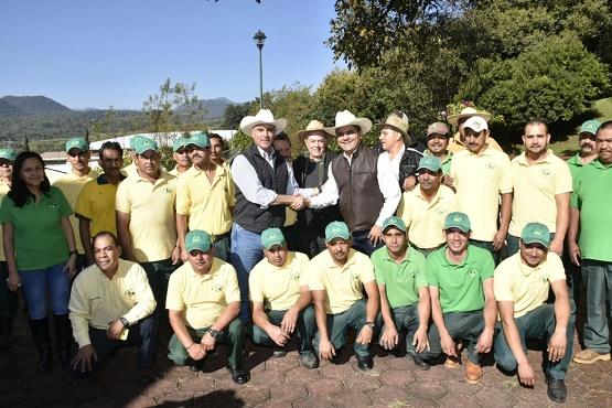 Le Apuesta Gobernador a la Industrialización del Campo Michoacano