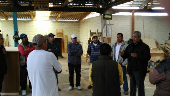 Exponen Acciones y Programas Forestales a Integrantes del Concejo Mayor, Consejo Comunal y Unión de Carpinteros de Cherán