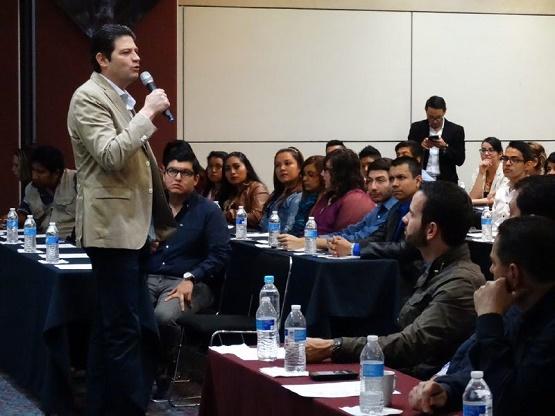 Alfonso Martínez Fomenta el Desarrollo Empresarial de los Jóvenes