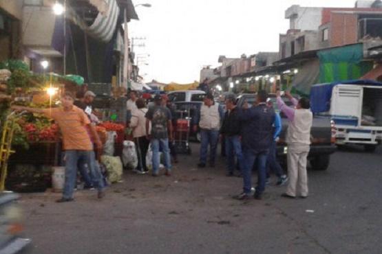 Suben Precios de Aguacate, Fresa, Limón y Cebolla en Mercado de Abastos