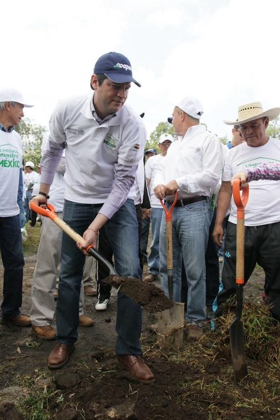Recibe Alfonso Martínez Reconocimiento Para Morelia Como el Municipio más Limpio del País