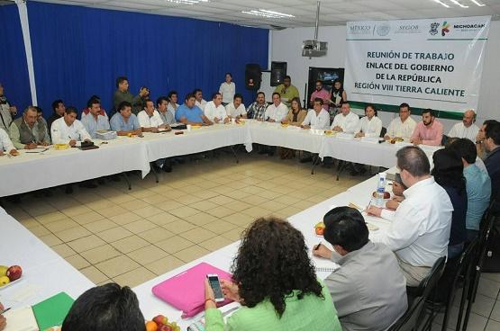 """Edil Guache Colabora con los """"Feos"""" en TC"""