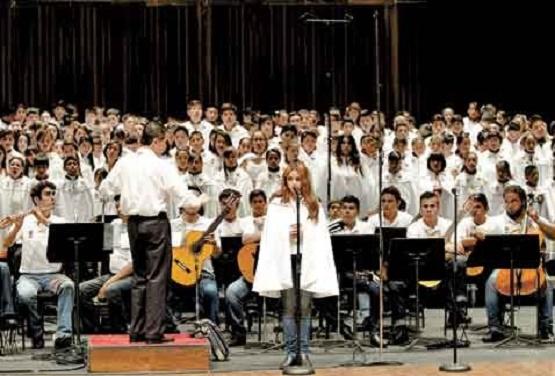 Niños de Mamá Rosa Cantarán Para el Papa