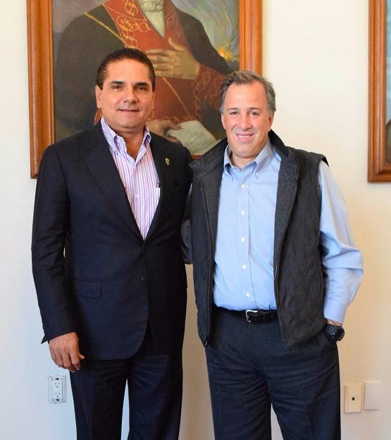 Revisa Gobernador con Sagarpa y Sedesol Proyectos Para el Desarrollo de Michoacán