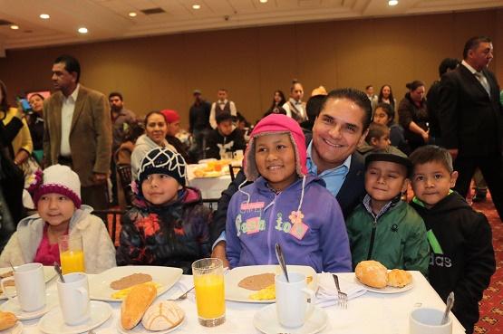 Compromete Silvano Aureoles Gratuidad en Atención a Niños y Niñas con Cáncer