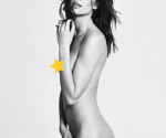 Se Desnuda por un Pezón