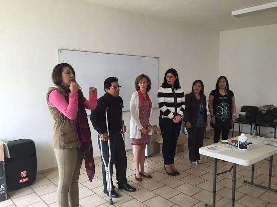 Instruye DIF Morelia a personas con discapacidad y madres solteras para el auto empleo