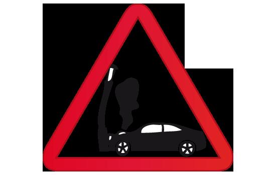 accidente poste luz auto coche