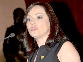 Adriana-Hernández