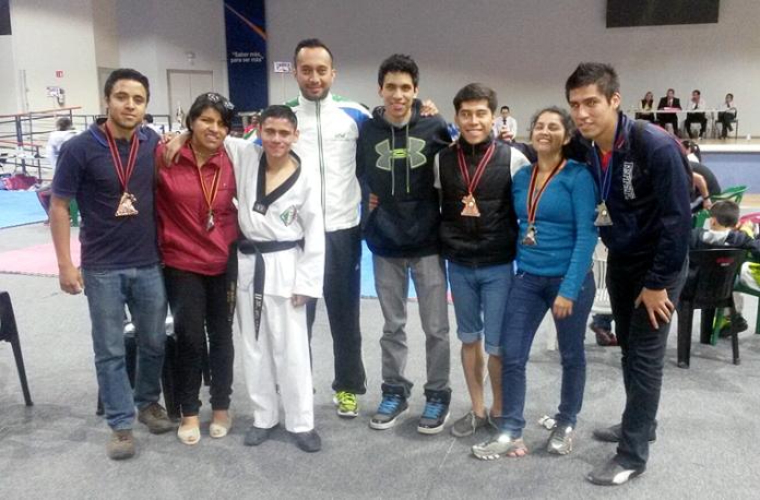Alumnos-UTM-Taekwondo
