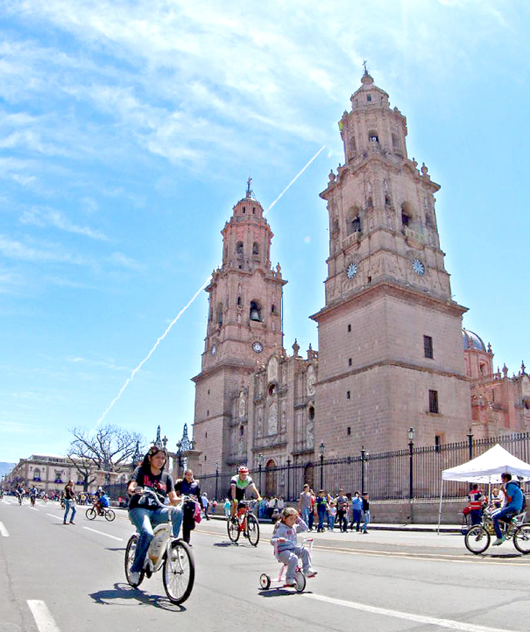 Catedral-Domingo-Bicicleta