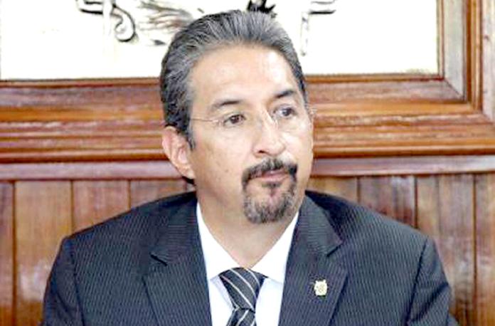 Medardo Serna Rector