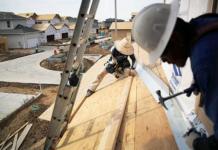 Migrantes Trabajando Construcción