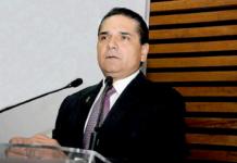Silvano Aureoles Podium