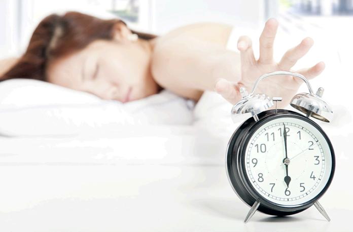 madrugar-despertarse-mujer