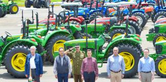 Enrique-Peña-Michoacan-Tractores